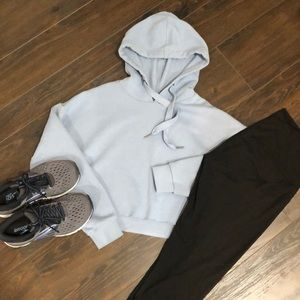 ❤️3 for $20- Charlotte Russe Cropped Hoodie-Medium